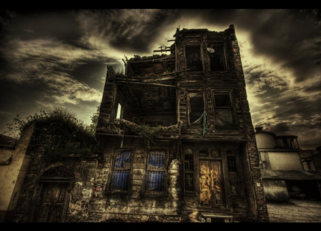 Do_you_like_scary_movies_HDR_by_ISIK5